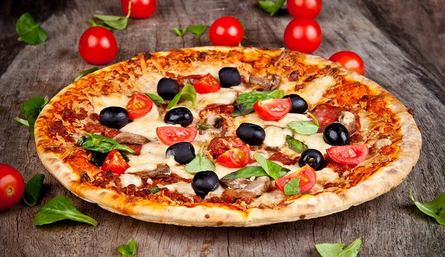 Delicious Italian Pizza 1